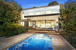 Luxury homes in high demand as Melbourne's premium property market thrives